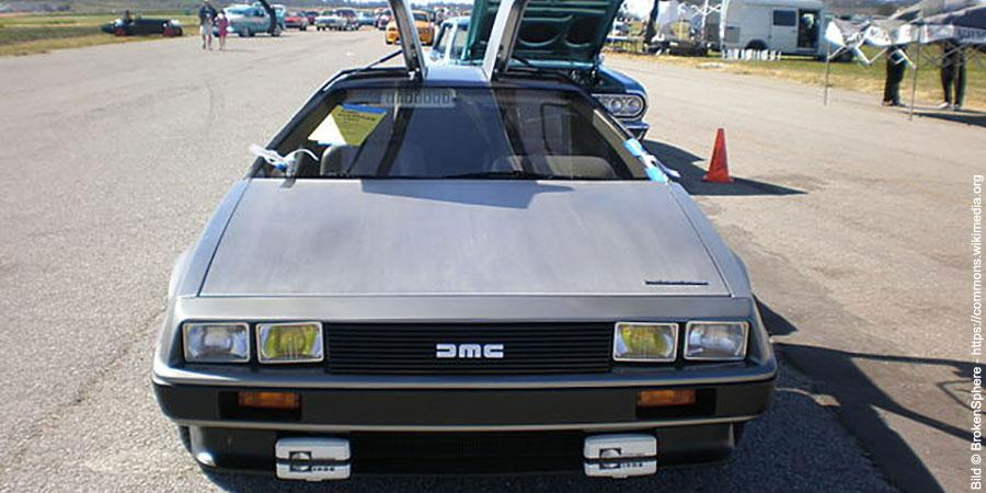 DeLorean DMC 12