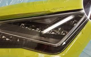 Kratzer im SEAT Leon Scheinwerfer entfernt